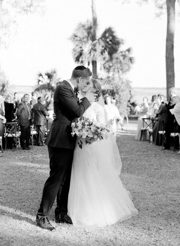 0 17b847 4bd6e65f XL - Свадьба зимой: 7 теплых образов невесты