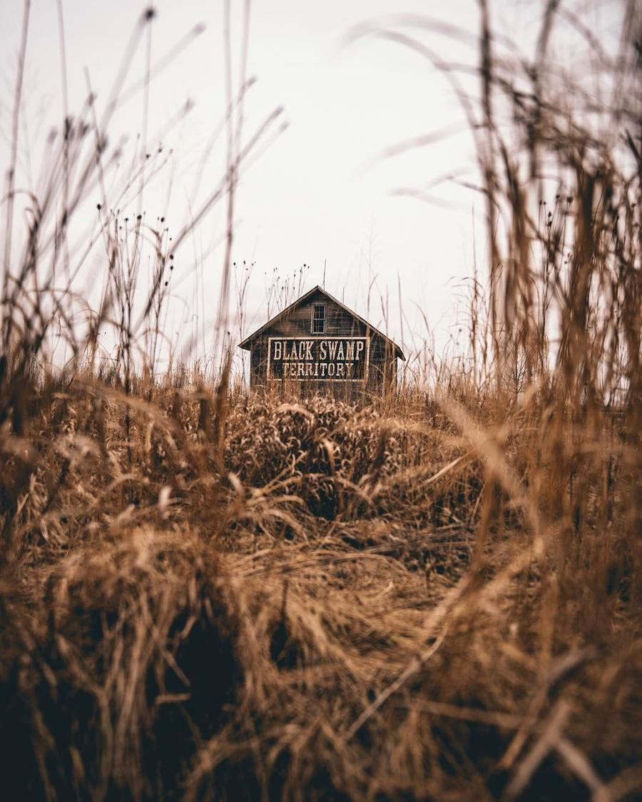 Outsanding and Mysterious Pictures of Isolated Houses