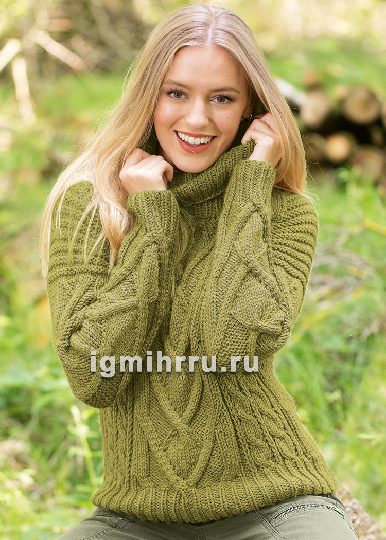 Теплый свитер цвета мха с крупными косами. Вязание спицами