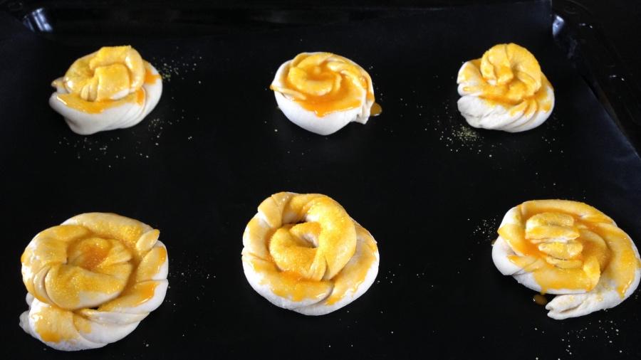 Простейшие и вкуснейшие слоёные булочки