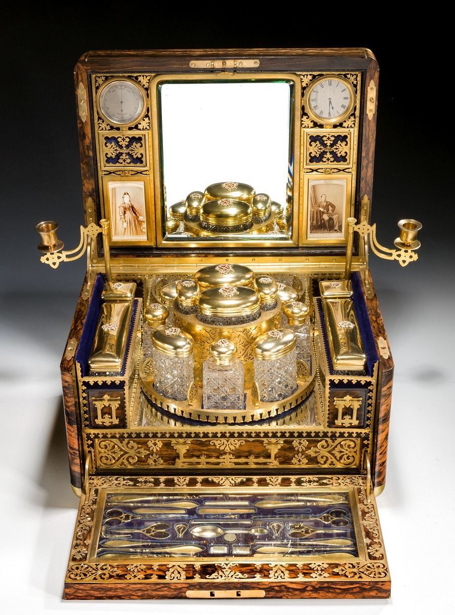 ladies-dressing-case-fitted-Betjemann-antique-revolving-carousel-silver-gilt-5075_1_5075.jpg