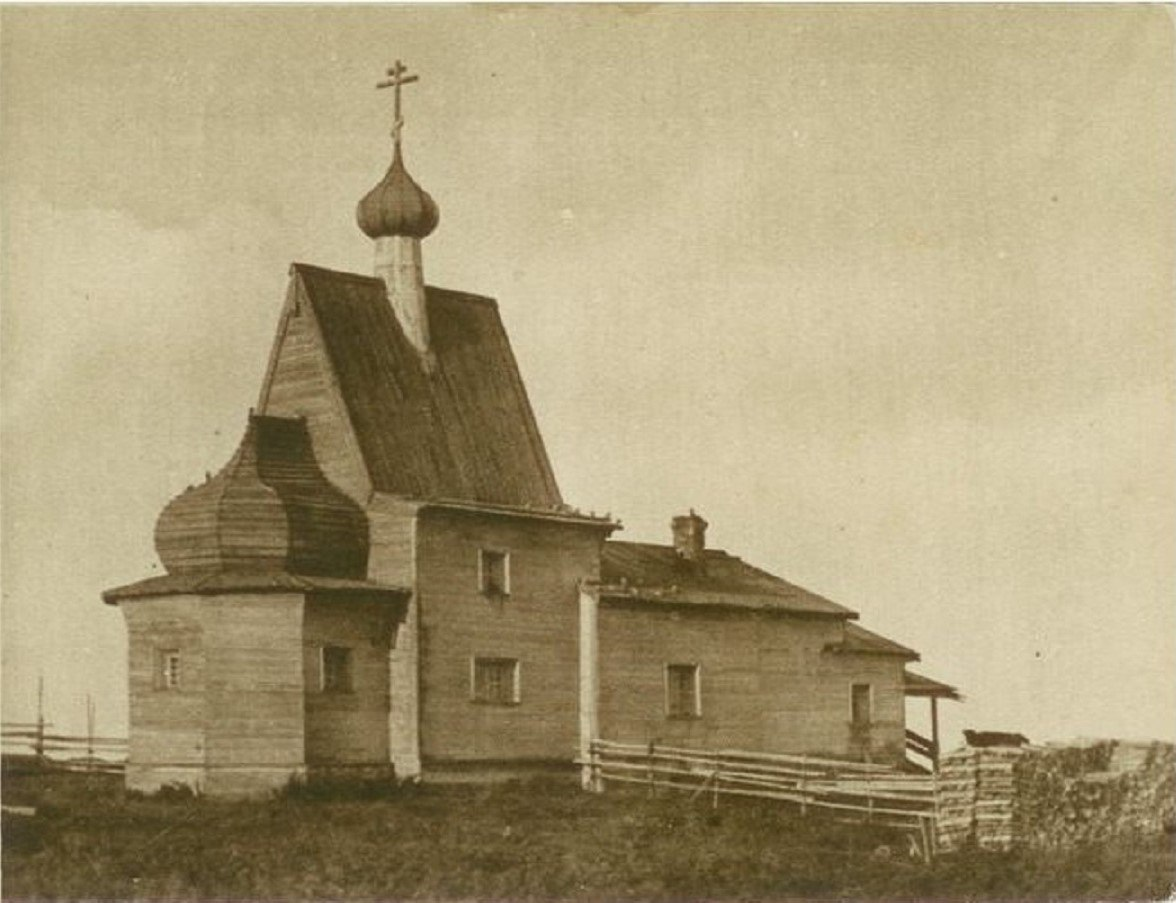 Окрестности Холмогор. Чухчерьма. Церковь Василия Блаженного, 1824 года постройки