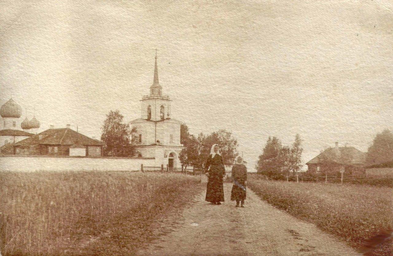 Успенский женский монастырь. Колокольня монастыря