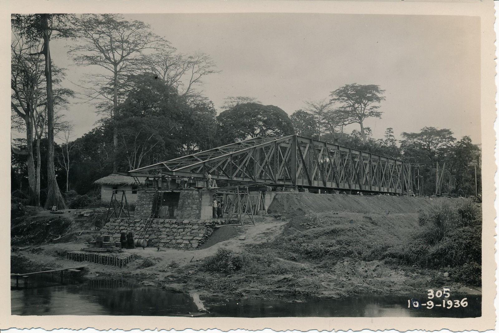 10.09.36. Строительство моста Ломе