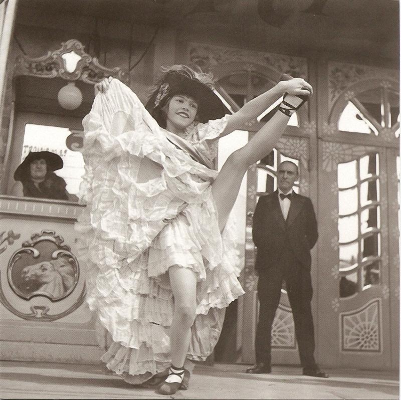 17. Французский канкан. Французский канкан, модный в 1830-х годах на публичных балах танец, был пере
