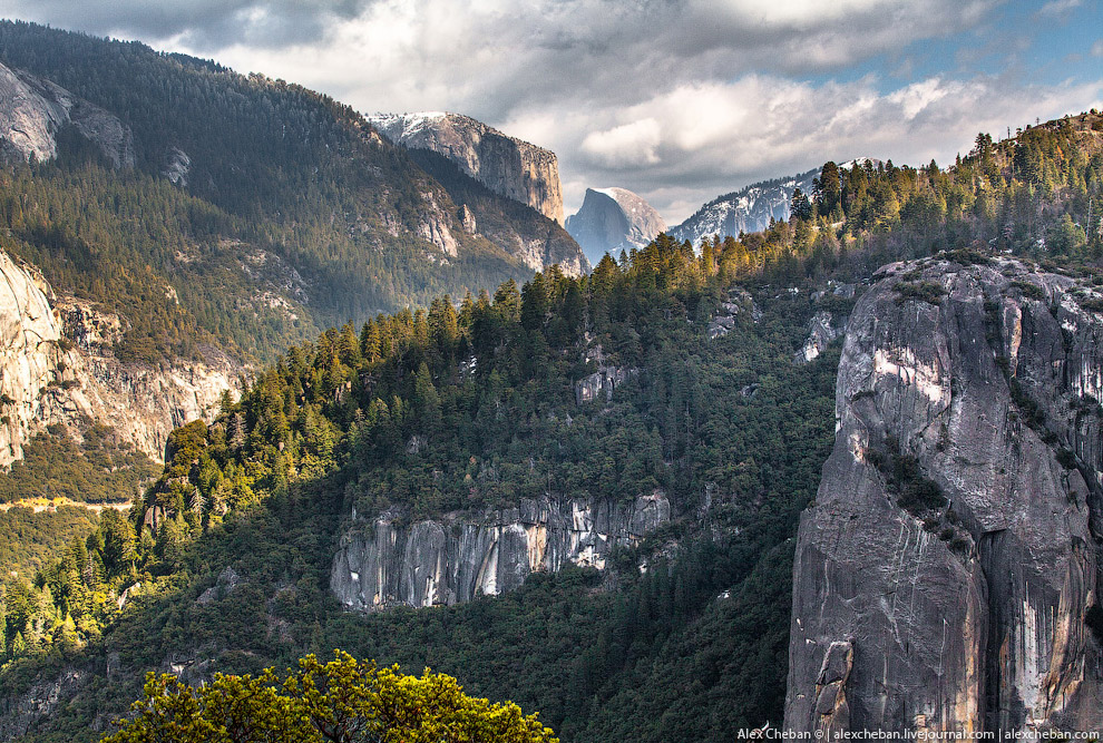 Национальный парк Йосемити расположен в центральной части хребта Сьерра-Невада в американском штате
