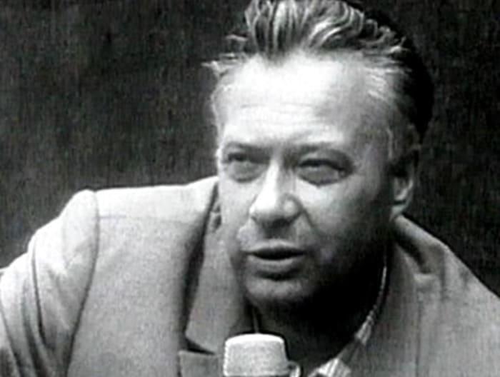 Кроме спорта, Озеров увлекался и театром. Еще в 1941 году он поступил в ГИТИС, а после его окончания