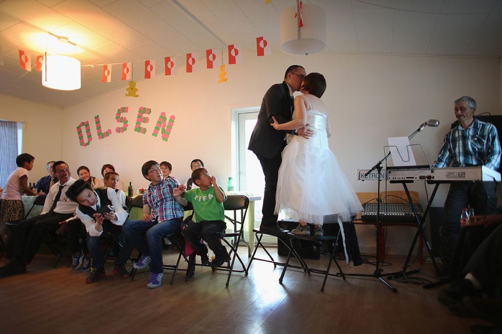 Традиция бросать букет невесты  распространена во многих цивилизованных странах, и ч