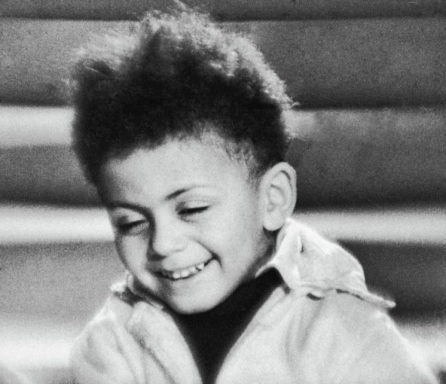 Его сын Джим в два года сыграл роль в фильме «Цирк», впоследствии служил капитаном-подводником, рабо