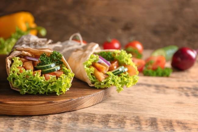 © depositphotos     Даже шаурма может быть полезной, если готовить еедома изсвежих овощ