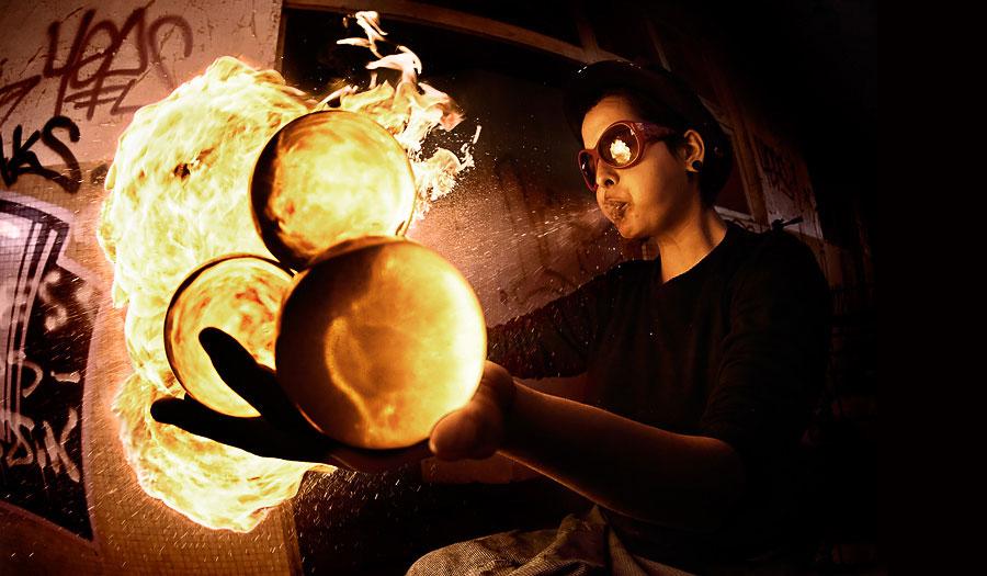 Огню уделялось большое внимание в мифологии. Например, в греческой и римской мифологии с огнём отожд