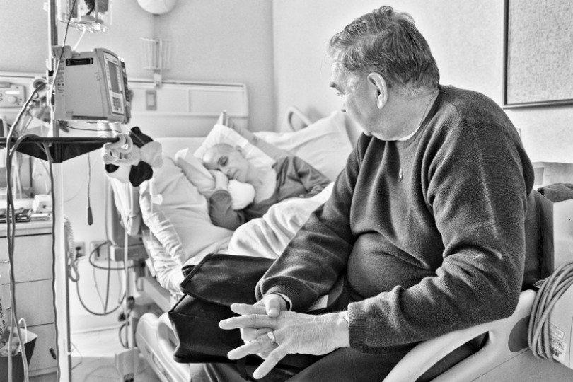 «Битва, которую мы не выбирали»: американец запечатлел, как его жена умирала от рака