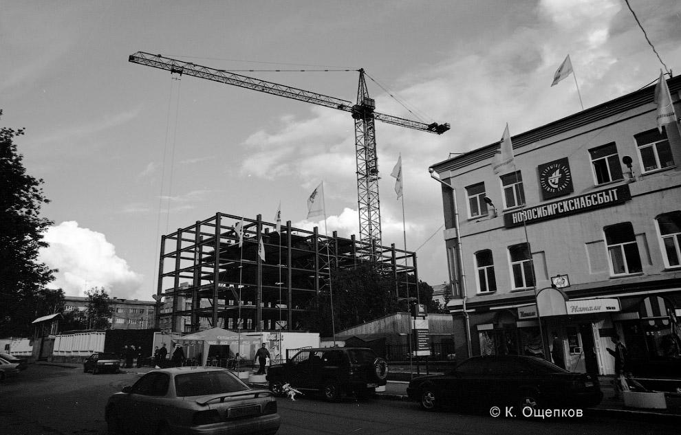 51. 23 июля 2000 года. Металлический каркас здания спроектировал тогдашний замдекана строительного у