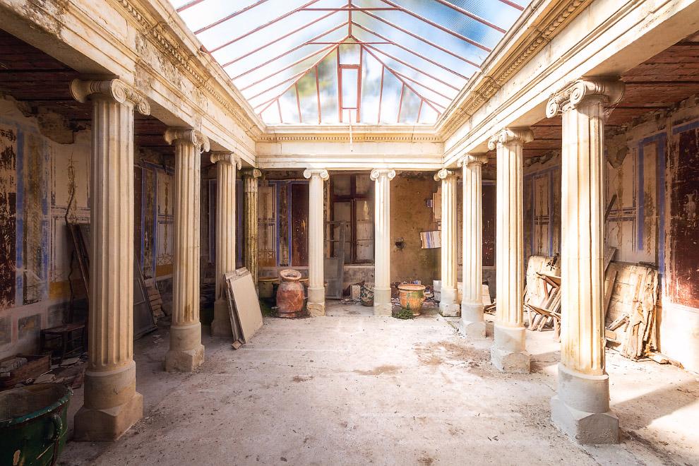 «Франция имеет прекрасную архитектуру и историю, которая очаровывает меня. Это одна из причин, почем