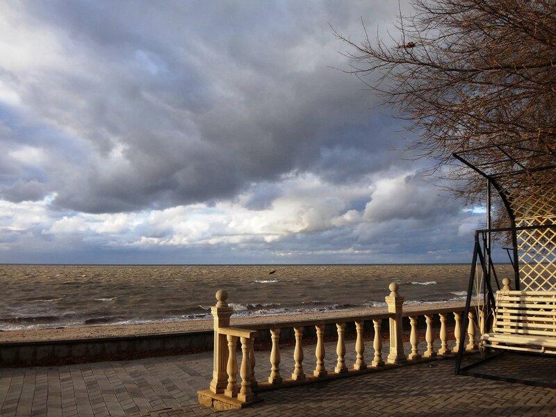 Уголок набережной ... На финише октября, в городе у моря Азовского. (44).JPG