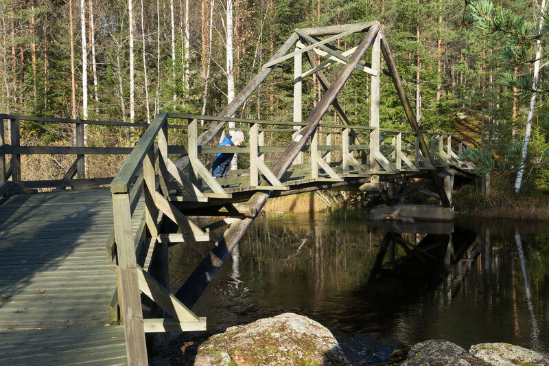 деревянный мост у laavu Taikinakoski