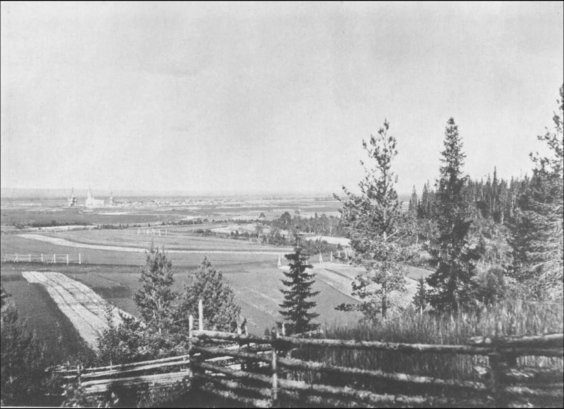 Вид села Суры с горы Поклонной, любимое место прогулки отца Иоанна. 1891