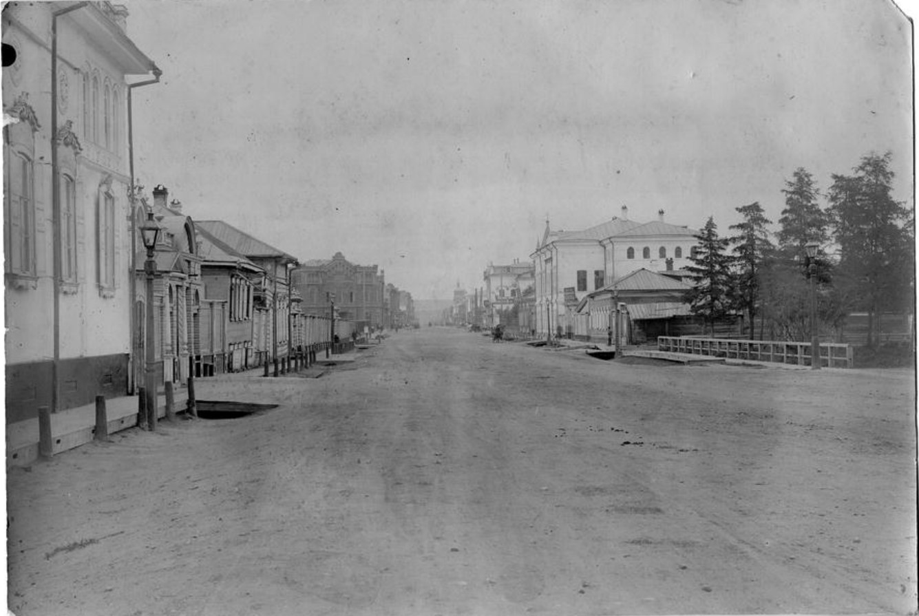 Большая улица. Перспектива улицы со стороны Ангары в сторону Ушаковки