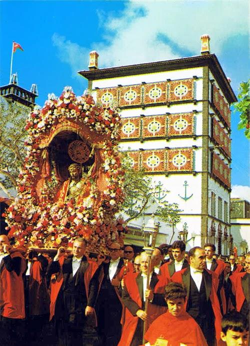 Ponta Delgada - Festas do Senhor Santo Cristo.jpg