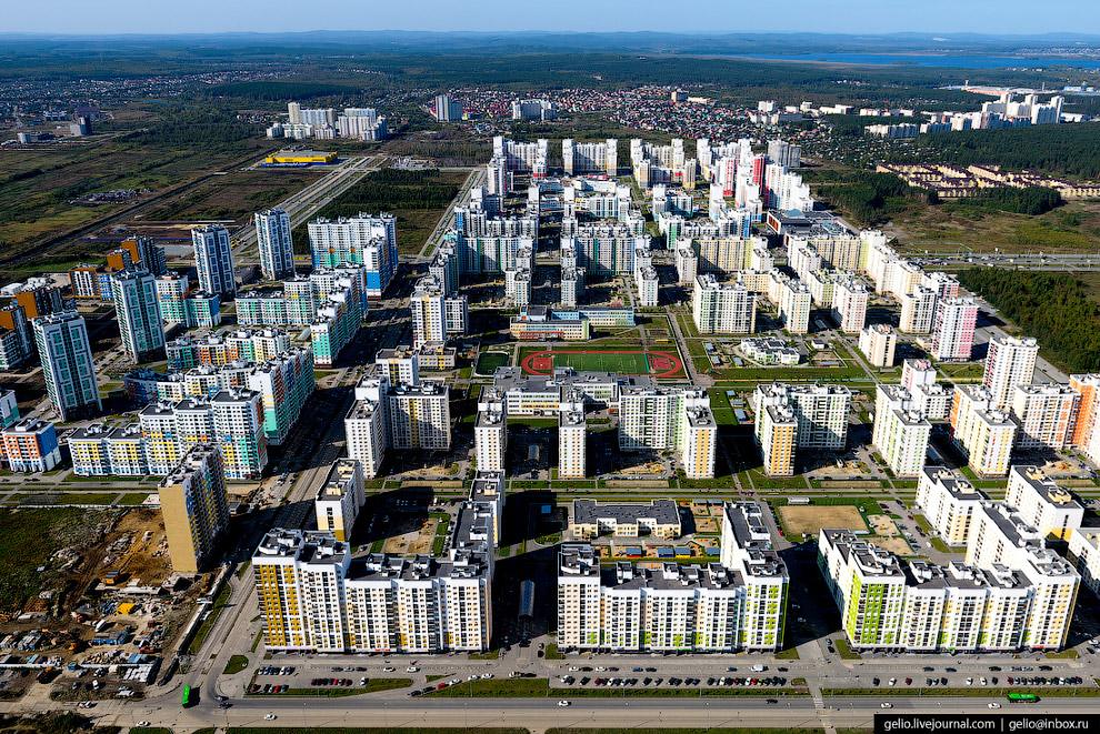 42. Аллея «Радуга» — любимое место отдыха жителей строящегося района «Академический».