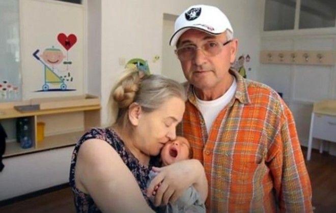 И вот, наконец, свершилось, в возрасте 60 лет Атифе удалось забеременеть. Женщина была на седьмом не