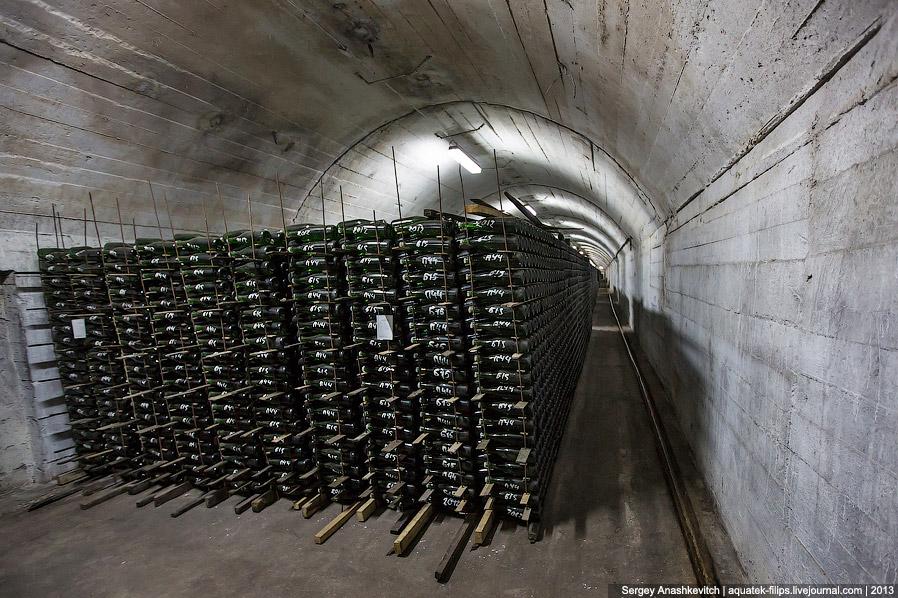 4. Во времена Льва Голицына производственные мощности составляли около 60 тысяч бутылок шампанского