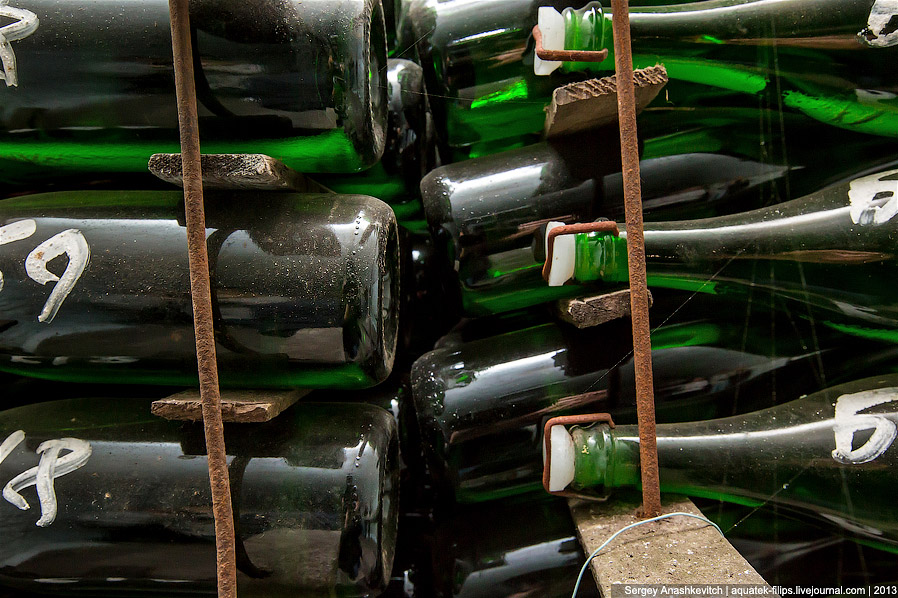 6. В тоннелях бутылки укладываются к горизонтальном положении в штабелях. Как я уже сказал выше, зде