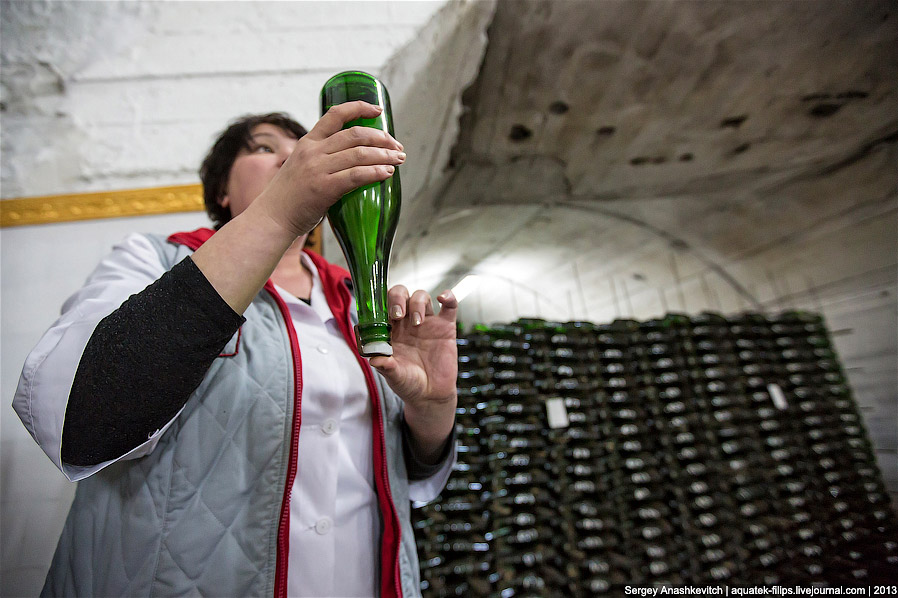 15. Последняя операция в технологической цепочке производства шампанского классическим способом — ос