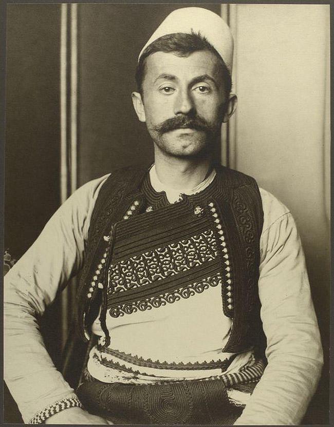 20. Солдат из Албании