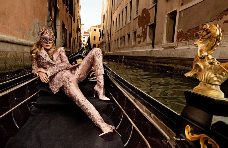 Анна Юэрс на страницах Vogue Paris (7 фото)