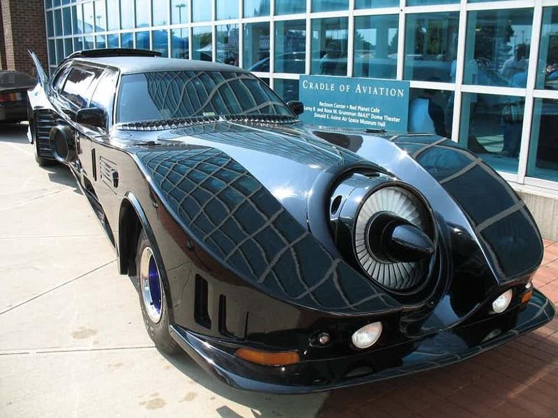 Эту машину сконструировал инженер-энтузиаст, любитель кино и шикарных автомобилей. Он в точности пов