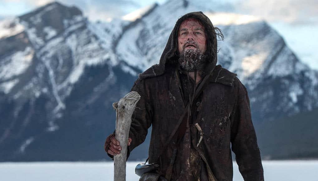 Стивен Спилберг при съёмках фильма «Челюсти» называл белую акулу «большое белое дерьмо», пот