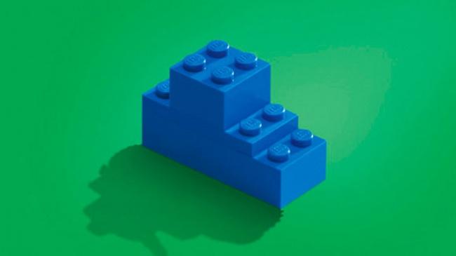 © lego      15. BIC: клей помогает воссоединиться