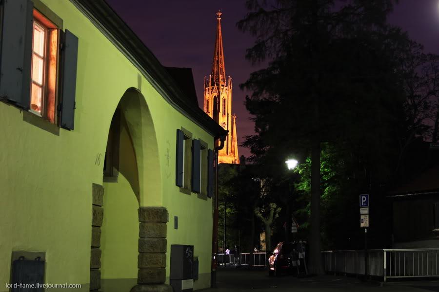 Местечко Бад-Дюркхайм, Западная Германия