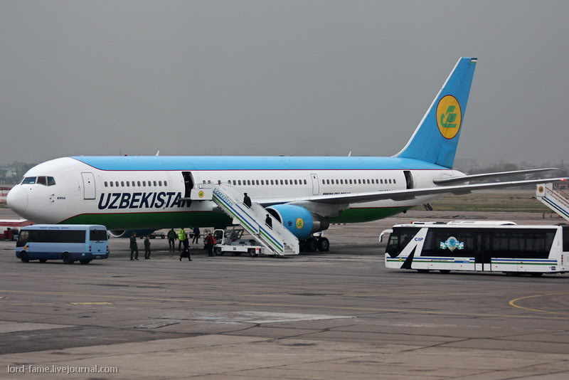 B-767_UK-67002_Uzbekistan_Airways_1_TAS_for_.JPG