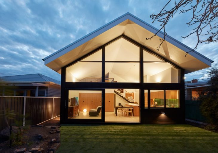Richard King Design   designed this stunning modern single family house is located