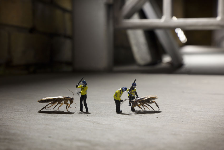 The Little People Project – Tiny Street Art – Slinkachu (19 pics)