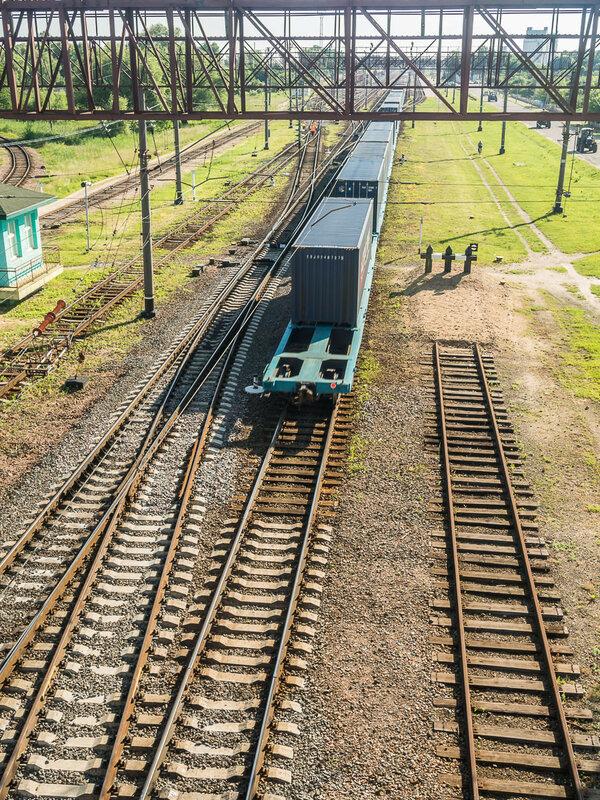 Поезд ушёл (на вокзал).