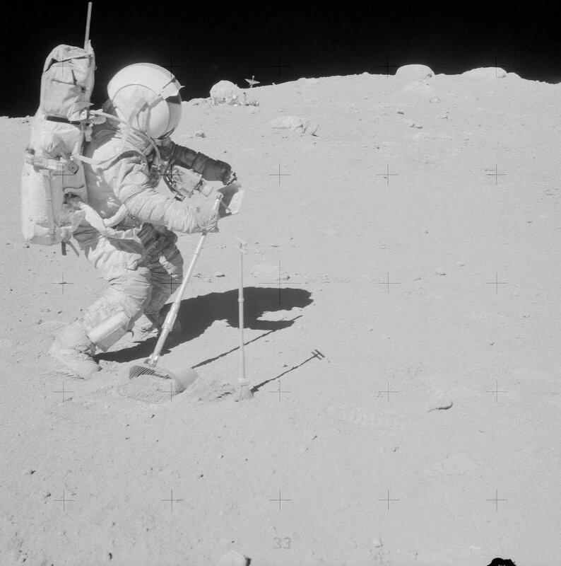 фотографии астронавтов побывавших на луне только его местоположение