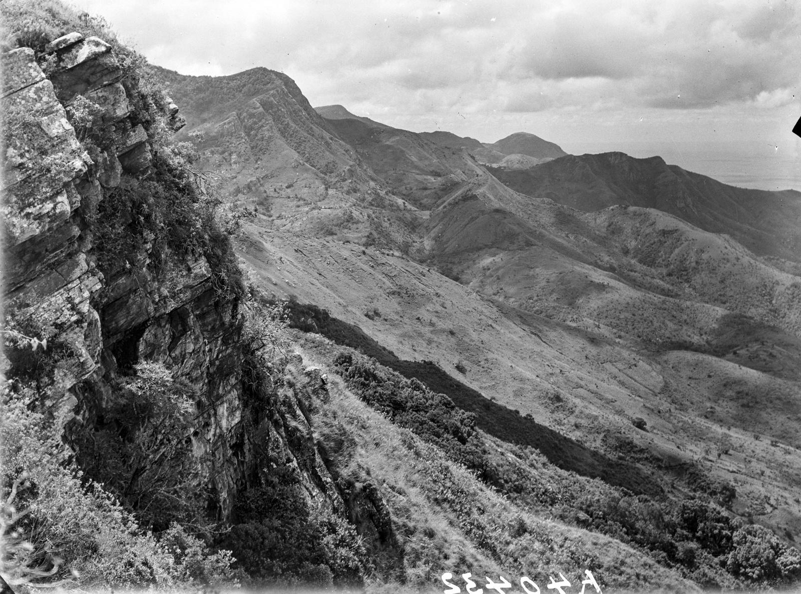 143. Западный склон южного горного хребта Паре