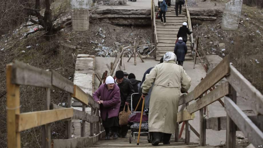 Пропуск граждан через КПВВ «Станица Луганская» временно остановят из-за ремонта