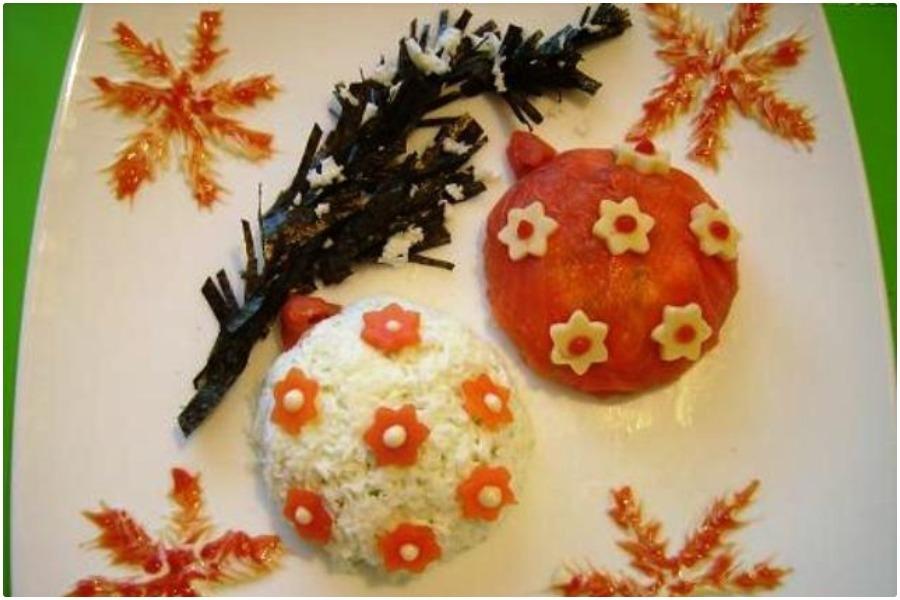 Салат «Новогодние шары» с красной рыбой