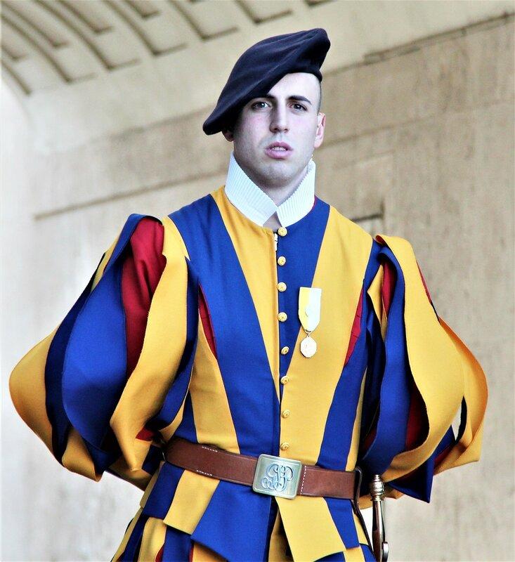 0-Ватикан 17 гвардейцы (2).JPG