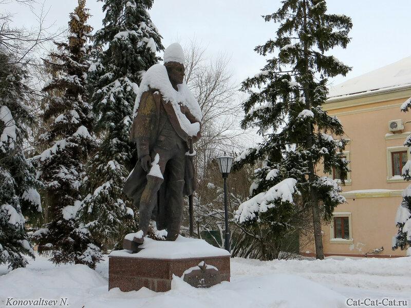 Памятник Суворову, Ульяновск, зима 2018