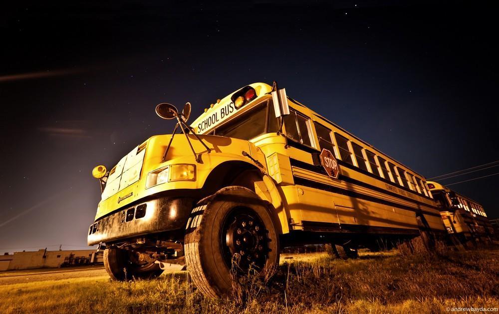 И еще одна мечта детства — школьный автобус. Не очень комфортабельный, но безумно красивый.