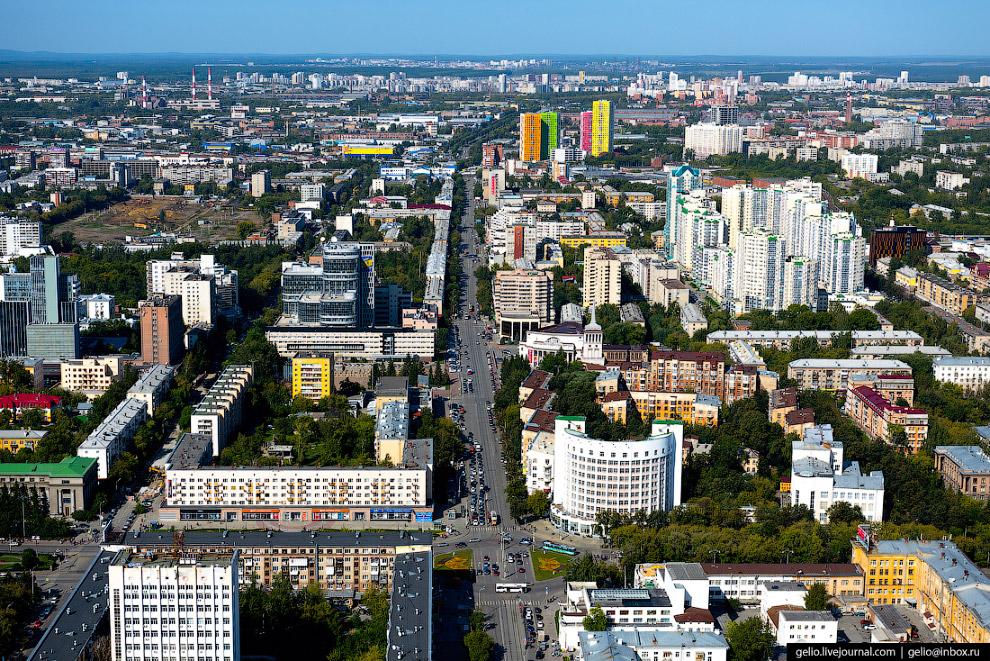 26. В Екатеринбурге действует третья по величине в России после обеих столиц система трамвая. Общая