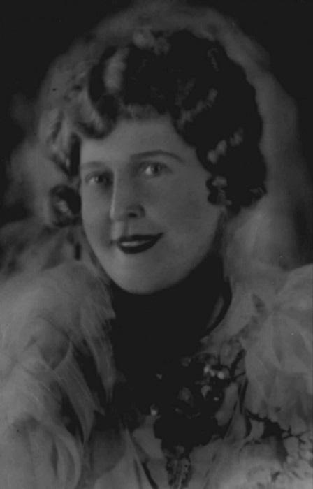 В 1937 году звукозаписывающая компания Meloton Recording сделала предложение певице записать грампла