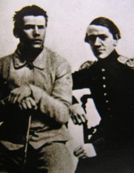 С братом Николаем перед отправлением на Кавказ, 1851 год.   Во время военной службы на Кавказе