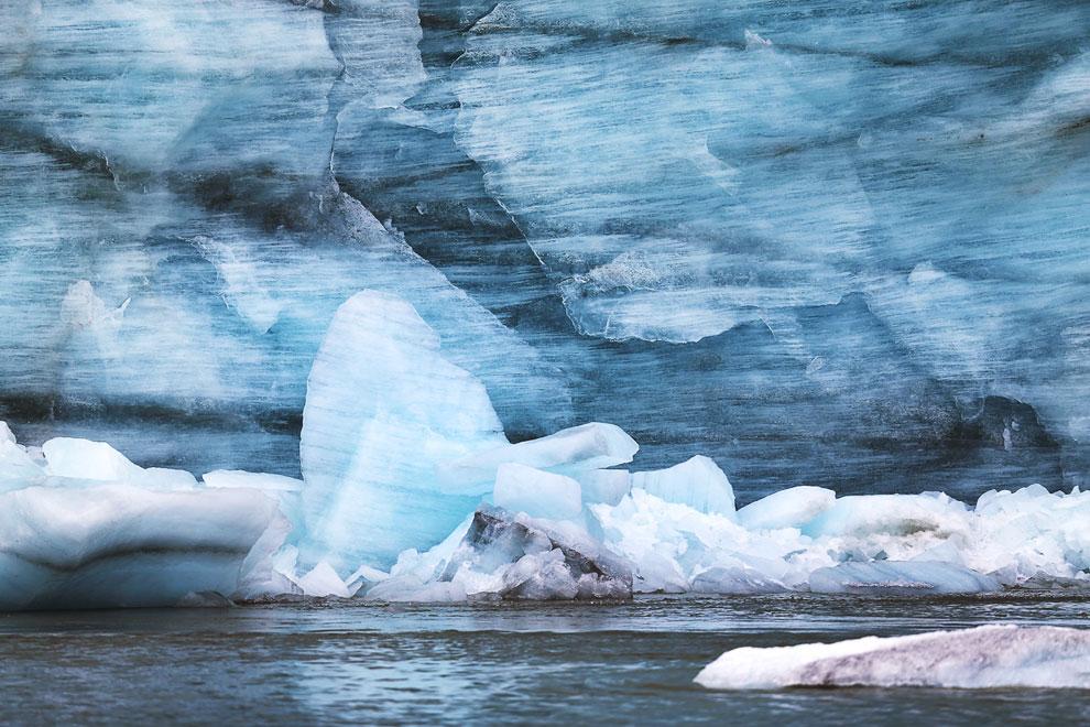 Айсберг возле города Илулиссат. В переводе с гренландского языка слово «илулиссат» означает «айсберг