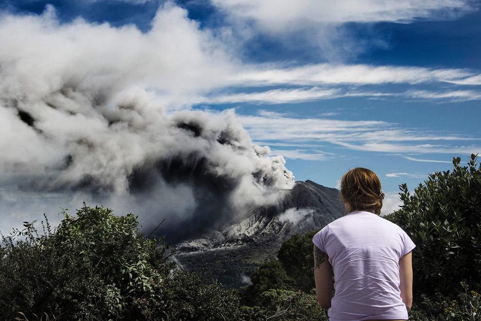 10. Сила вулкана Турриальба. Леса, сожженные пирокластическим потоком. Коста-Рика, 3 февраля 2017. (